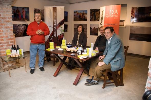 De la stanga la dreapta: Ioan T. Morar, Mircea Cartarescu, Alex Leo Serban si Cristian Teodorescu, foto de Andrei Ionita